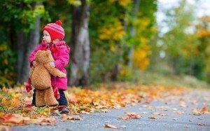 autumn_baby_with_teddy_bear